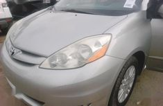 Toyota Sienna 2007 XLE Silver for sale
