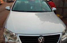 Volkswagen Passat 2009 Silver for sale