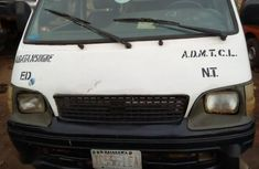 Toyota HiAce 2001 White for sale
