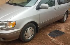 Toyota Sienna 2003 Silver color for sale