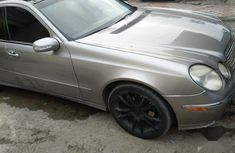 Mercedes-Benz E320 2004 Gray color for sale