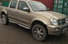 Isuzu Rodeo 2006 Gold for sale
