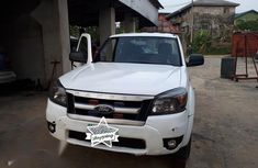 Ford Ranger 2010 XLT White color for sale