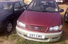 Perfectly working Toyota Picnic 1999 Red color  for sale