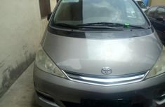Toyota Previa 2.0 D-4D 2004 Gray for sale