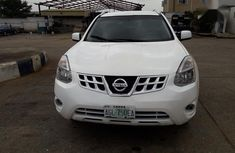 Nissan Rogue SV 2013 White color for sale