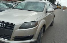 Very neat Audi Q7 2009 Gold color for sale