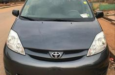 Toyota Sienna LE 2009 Gray for sale