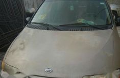 Neat NNissan Quest 2001 Gray color for sale