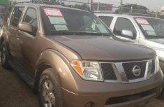 Nissan Pathfinder 2005 Brown for sale