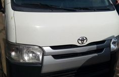 Fully Airconditioned Toyota Hiace 2015 White for sale