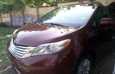 Toyota Sienna 2013 XLE AWD 7-Passenger Red for sale