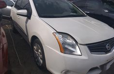 Nissan Sentra 2012 2.0 White for sale