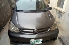 Toyota Echo Sedan 2005 Gray for sale