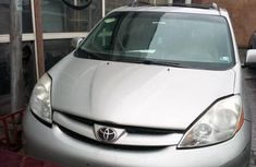 Toyota Sienna 2009 XLE AWD Silver for sale