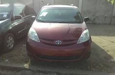 Toyota Sienna 2009 Red for sale