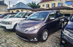 Toyota Sienna 2016 Gray for sale