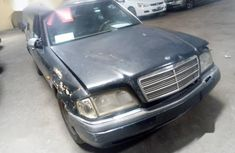 Mercedes-Benz C180 1994 Black color for sale