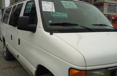 Ford E-350 2006 XLT Super Duty White for sale