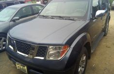 Nissan Pathfinder 2005 SE Blue for sale