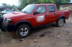 Nissan Frontier 2000 Red for sale