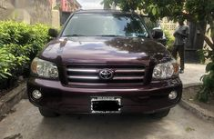 Neatly used Toyota Highlander 2003 Purple color for sale
