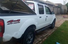 Nissan Frontier 2004 White for sale