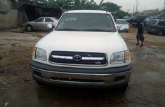 Toyota Tundra 2001 Automatic White for sale