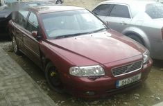 Tokunbo Volvo S80 2004 Red  complete legal documents