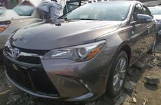 Toyota Camry 2017 Gray SE 4 dr Sedan automatic for sale