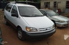 Toyota Sienna 2000 White for sale