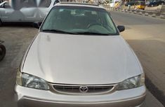 Toyota Corolla 2000 Gold for sale