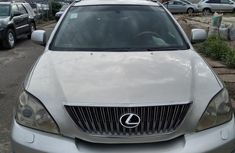 Neatly baked Toyota Lexcen 2005 Silver for sale