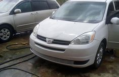 Toyota Sienna 2004 XLE AWD (3.3L V6 5A) White for sale