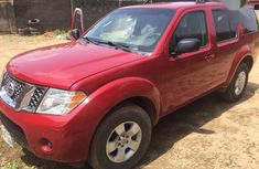 Nissan Pathfinder 2010 LE 4x4 Red for sale
