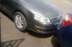 Volkswagen Passat 2010 Gray for sale