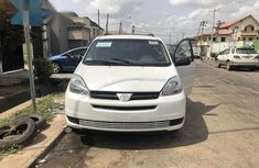 Toyota Sienna 2005 LE AWD White for sale