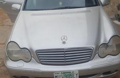 Neat and clean Mercedes-Benz C200 2003 Silver color for sale