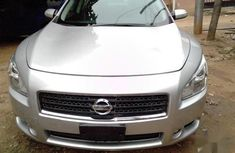 Extremely clean Nissan Maxima 2011 3.5 S Silver color for sale