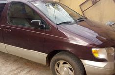 Toyota Sienna 2000 Purple for sale