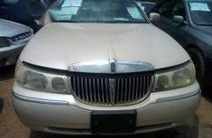 Lincoln Towncar 2001 Silver for sale