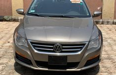 Volkswagen Passat 2012 Beige for sale
