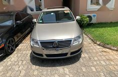 Volkswagen Passat 2006 Beige for sale