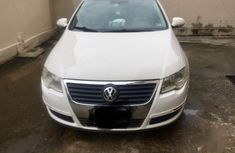 Volkswagen Passat 2006 2.0 FSI Trendline White for sale