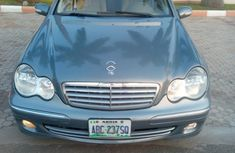 One year used Mercedes-Benz C230 2006 Green color for sale