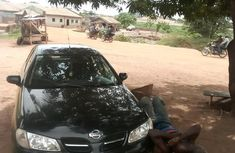 Nissan Almera 2000 2.0 Tino Black for sale