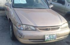 Very clean Toyota Corolla 2000 Gold color for sale