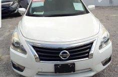 Nissan Altima 2014 White color for sale