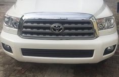 Full duty Toyota Sequoia 2010 White color for sale