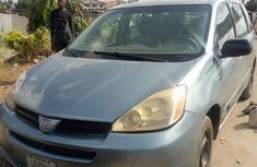 Toyota Sienna 2005 Gray for sale